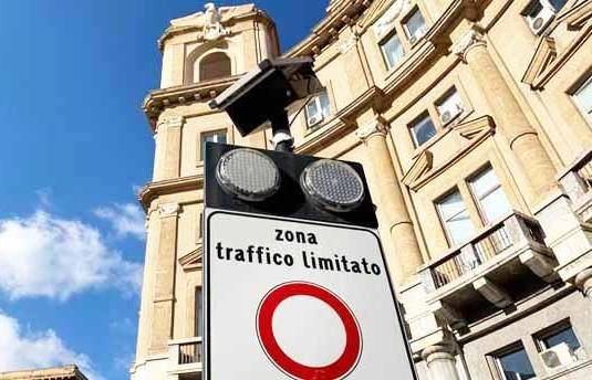 Palermo, dal 3 agosto torna la ZTL diurna e notturna. Il Comune pensa anche ad una ZTL2