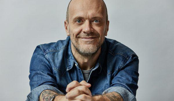 """Max Pezzali arriva un nuovo singolo """"Qualcosa di nuovo"""""""