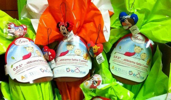 ASLTI dona un uovo ad ogni anziano che si vaccinerà e sostiene le famiglie in difficoltà