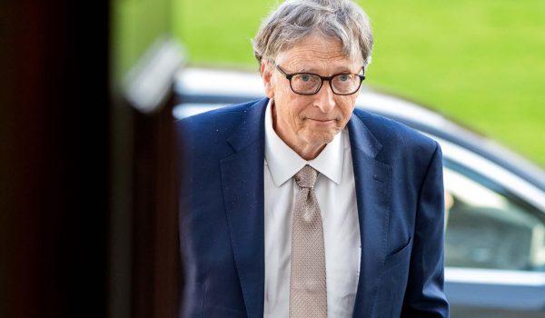 Bill Gates, rimosso da Microsoft per una 'scappatella'. E' giallo.