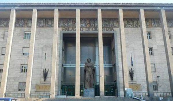 Padre violenta la figlia minorenne, condannato a 13 anni