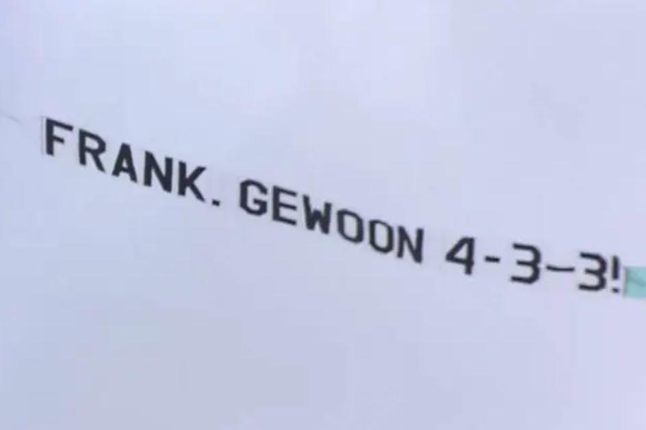 striscione per Frank De Boer